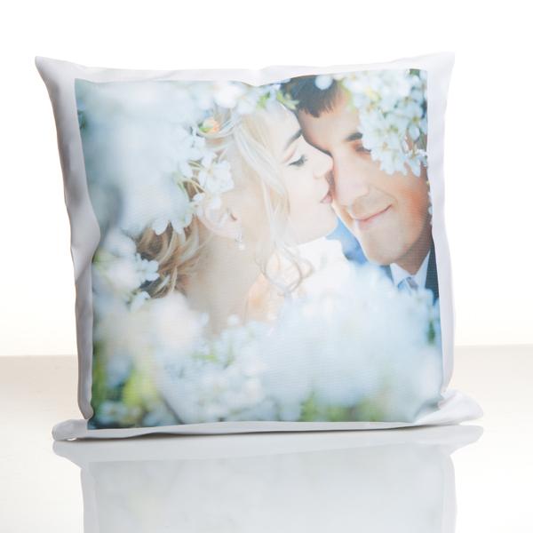 fotokissen kissen mit foto bedrucken foto auf kissen gestalten. Black Bedroom Furniture Sets. Home Design Ideas