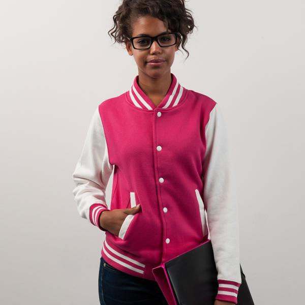 College Jacke bedrucken lassen typisch amerikanischen Look